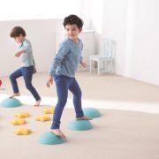 gwiezdne kamienie - zabawa - ścieżka sensoryczna