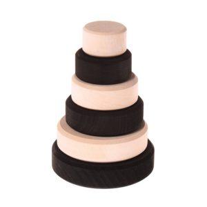 czarno-biała stożkowa wieża Grimm's